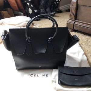 $3700 Blk Smooth Calf Celine Knot Handbag